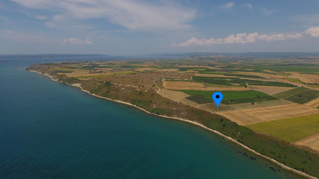Çanakkale Kumkale'de Satılık Denize Sıfır 4.050 m2 Zeytinlik